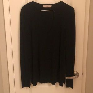 Super cute black long sleeve with v cut out